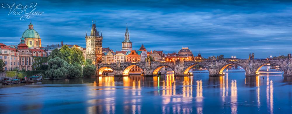Прага ночью - Карлов Мост и Малострана