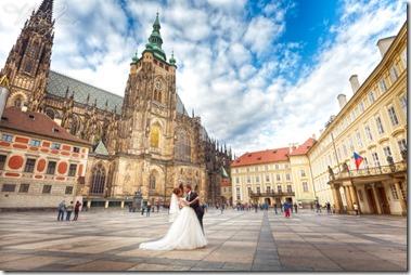 фотографии со свадьбы в Праге и замке Глубока
